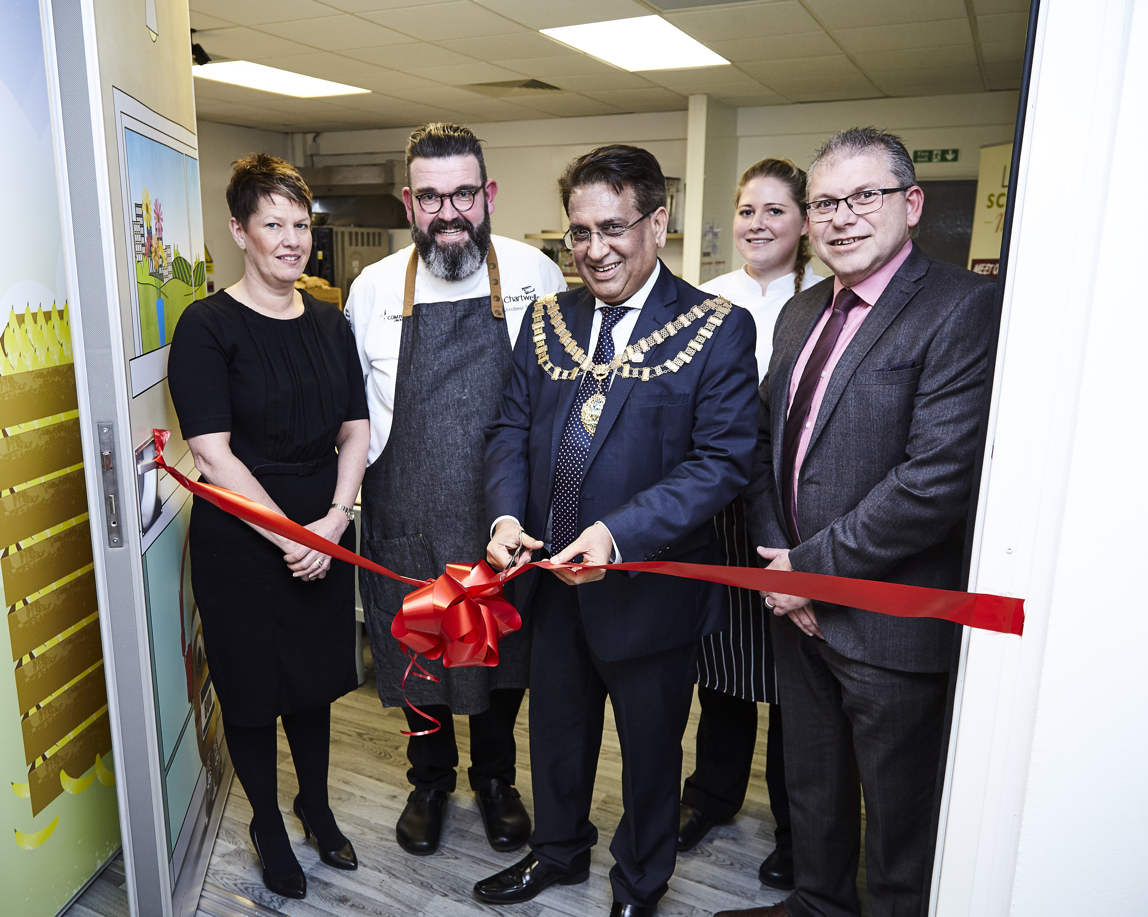 Hounslow Mayor opens Chartwells Creative Kitchen | Cost ...